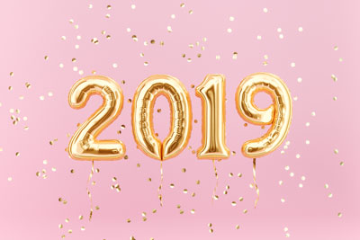2019 in balloons with confetti